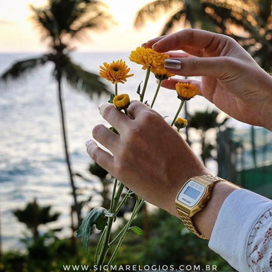 28256e2a086ed Relógio Mormaii Vintage Dourado Feminino MOJH02AB 4D